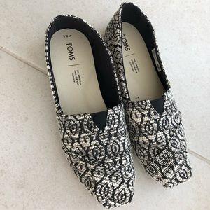 EUC Toms Alpargata Shoes in Tribal Print